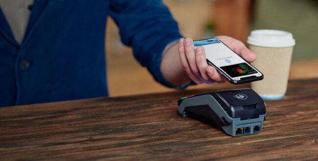 Как пользоваться кредитной картой в Айфоне?